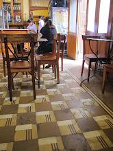 Photo: Cuadricula en el piso Bar Restaurante Cordano Centro de Lima Mayo - 2014