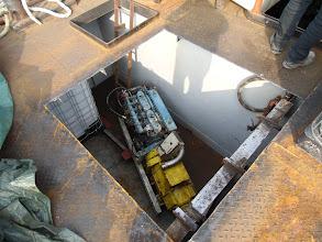 Photo: Watertank en aggregaat zijn beneden