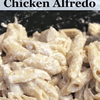 Easy CrockPot Chicken Alfredo.