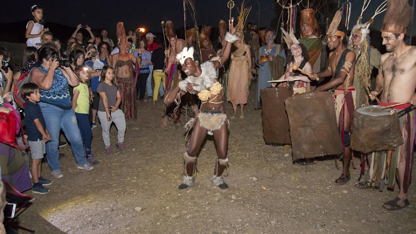 Las actividades realizadas durante el 'Anochecer' contaron con bailes.