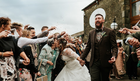 Wedding photographer Leeds (photosbycharli). Photo of 16.05.2018
