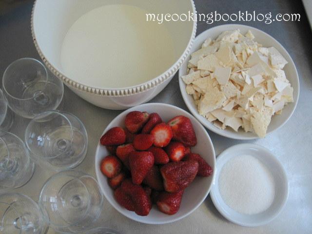 Ягоди със сметана и Целувки (Meringues)