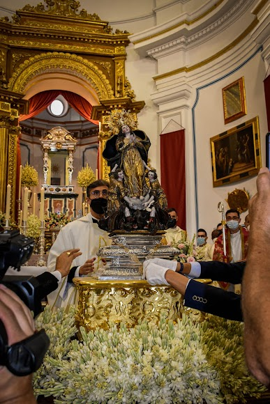 Nuestra Señora del Saliente Coronada procesionó por el Monte Roel.