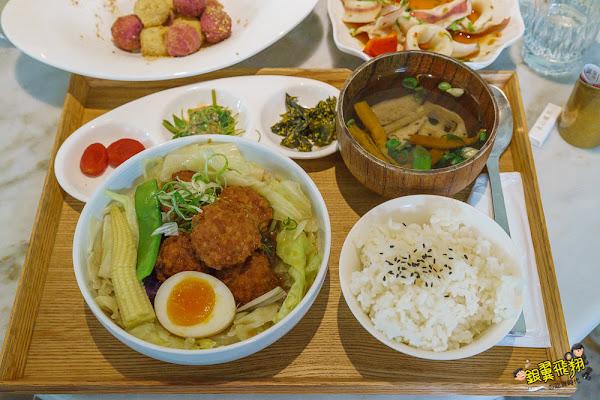 永心鳳茶-復古茶館結合台式定食吃飯喝茶也能很時尚!高雄複合式餐廳推薦~