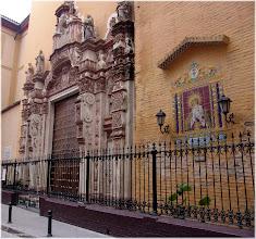 Photo: calle del barrio de Santa . Sevilla http://www.viajesenfamilia.it