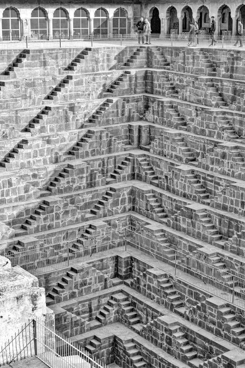 Parafrasando le simmetrie di Escher di stelli