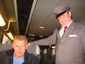 """Photo: Un instant privilégié sur le TGV 8717 à destination de Quimper, """" je remercie le jeune accompagnateur qui voyageait avec Patrick Poivre d' Arvor, alias PPDA présentateur du JT  de TF1 (journaliste et écrivain français) pour cette photographie souvenir """""""
