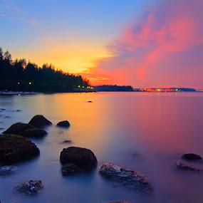 Punggol Beach by Ram Suson - Landscapes Waterscapes ( colorful water, punggol beach, waterscape, sunset, beach, singapore, punggol )