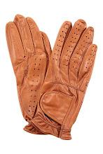 Photo: Gants 100% cuir BUSCARLET : http://shop.be.com/tendances/total-cuir/tous-les-produits/gants-100--cuir/1696/n16/d0/s/p/c/b/e/t.html#
