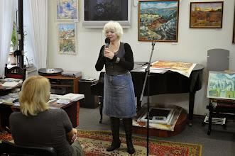 Photo: Галина Подольская открывает выставку картин израильских художников