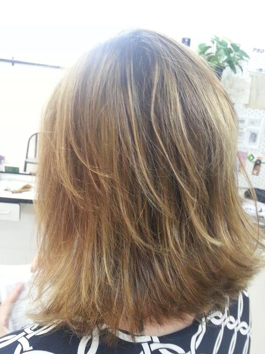 cabelos loiros com menos frizo