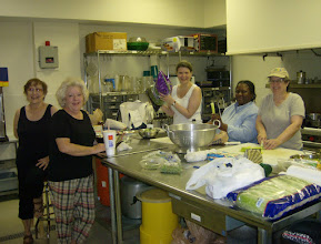 """Photo: UMW prepares salads for """"Lunch on the Lawn"""", 2011"""