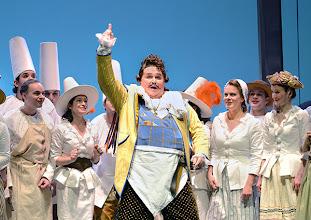 Photo: EINE NACHT IN VENEDIG / Wiener Volksoper. Inszenierung: Hinrich Horstkotte, Premiere 14.12.2013. Jörg Schneider.  Foto: Barbara Zeininger