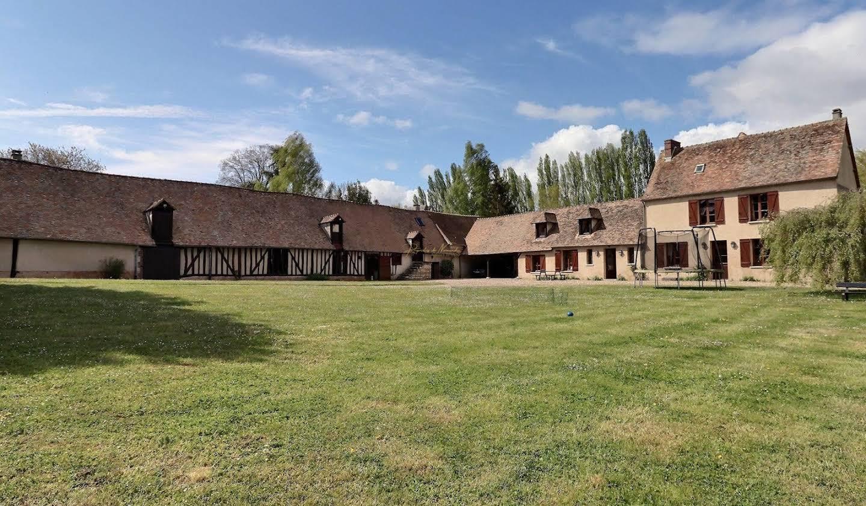 Maison avec terrasse Hecourt
