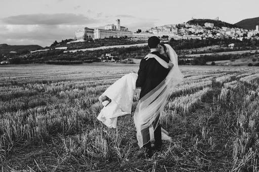 Fotografo di matrimoni Tiziana Nanni (tizianananni). Foto del 10.09.2018