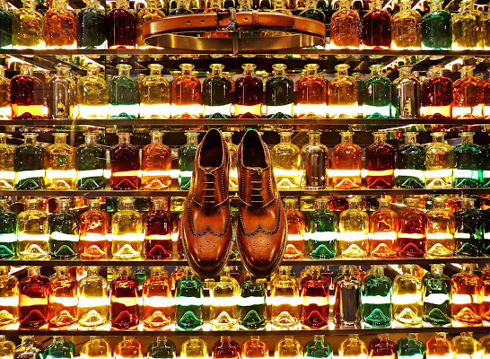 The belt,the shoes & the bottles di roberto_p