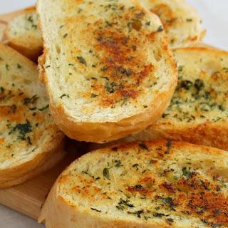 Quick Skillet Garlic Bread