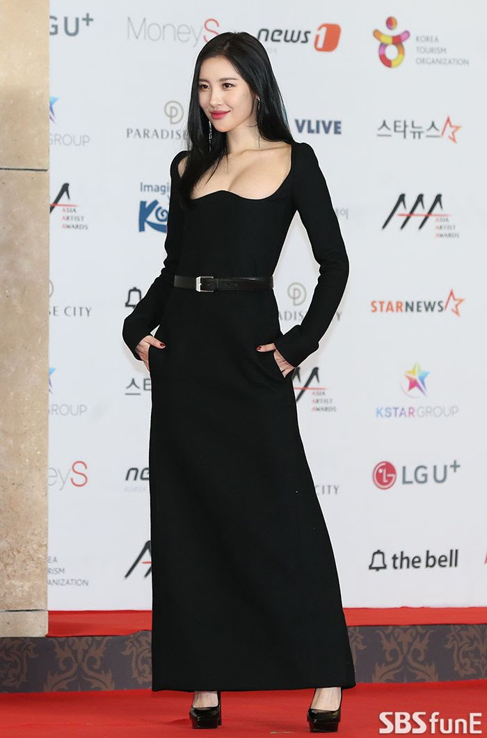 10+ Times Sunmi Took Our Breath Away With These Fierce Red Carpet Looks