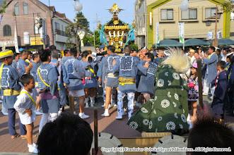 Photo: 【平成24年(2012) 本宮】  元町商店街。囃子連桟敷に先を向ける。