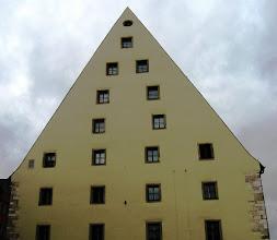 Photo: stojí stará solnice (ve městě je jich několik)