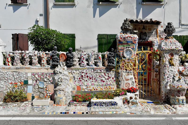 decorazione alla ricinzione di casa di renzo brazzolotto