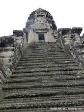 Photo: No escalator?