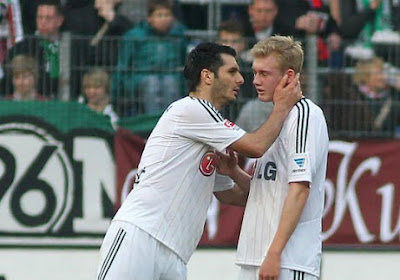 Leverkusen is maximum kwijt na spektakelmatch (met mooie goals!)