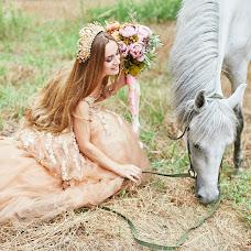 Wedding photographer Nataliya Shumova (Shumova). Photo of 03.08.2016