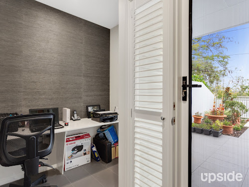 Photo of property at 2/43 Raby Road, Coorparoo 4151