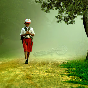 Pulang by Cucu Fuang - Digital Art People ( children, people, manipulation, photography )