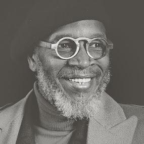 Leon  by Szymon Stasiak - People Professional People ( b&w black&white portrait man studio )