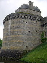 Photo: The castle fortifications are most impressive! The castle was at the frontier of the main routes between Brittany, Normandy and France, and so was often subject to attacks - dating to its original construction 1000 years ago.