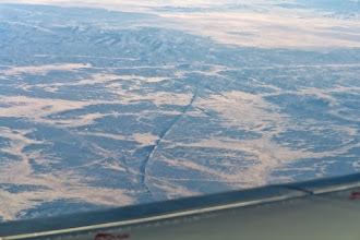 Photo: Strange very thin rock ridges somewhere between Flagstaff and Gallup.