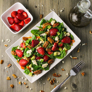 Strawberry Pecan and Feta Spinach Salad