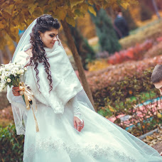 Wedding photographer Svyatoslav Denisenko (SVIATIMAGE). Photo of 13.02.2015