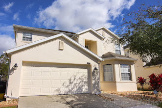 Spacious Orlando villa close to Disney, golf course views, private pool and spa