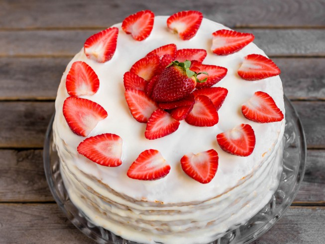 Quick and Easy Egg White Frosting Recipe