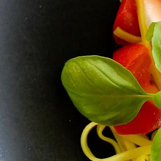 Spaghetti with Mozzarella and Tomatoes Recipe