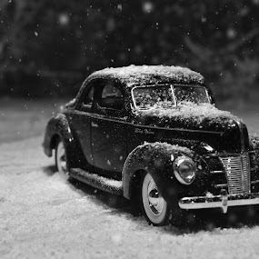 Chilly Coupe by Benjamin Howen III - Artistic Objects Toys ( die-cast, car, 1934, winter, vintage )