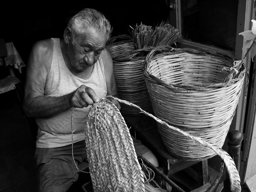 a old lavoration  by Giovanna del Bufalo - News & Events World Events