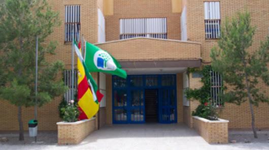 Confinada un aula en el colegio de Guazamara tras el positivo de un docente