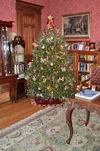 Photo: Christmas Tree in Parlor at Victorian Mansion