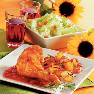 Hühnchenkeulen in Rotweinsauce mit Speckerdäpfel
