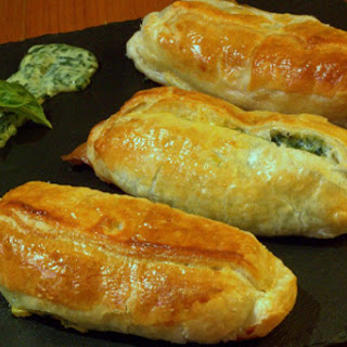 Salmon in puff pastry with spinach cream for Christmas dinner.