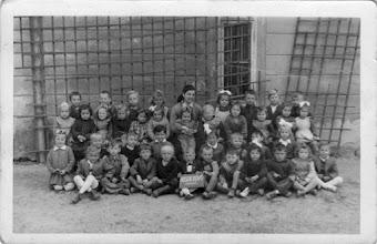 Photo: Óvodások, 1954/55, zárda