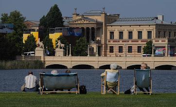 Photo: Schloßbrücke und Galerie in der Landeshauptstadt
