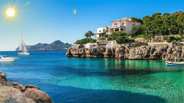 Watch Mediterranean Life live