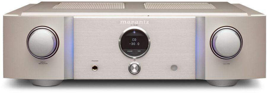 L'amplificateur intégré stéréo Marantz PM-KI Ruby est le vaisseau amiral de la gamme d'amplis Marantz PM. Il développe jusqu'à 2x200 Watts.