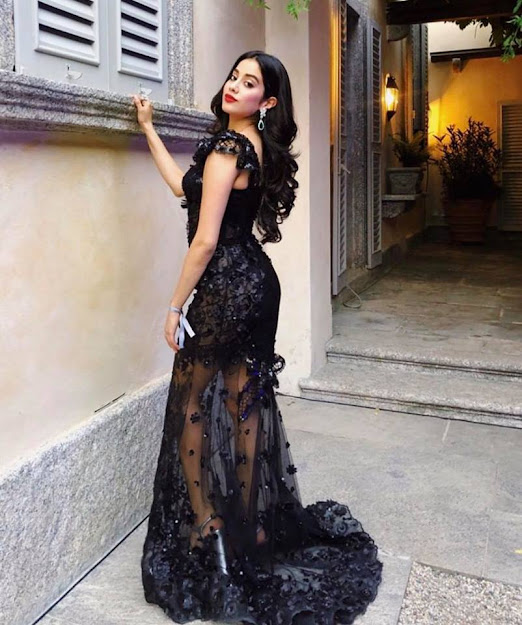 Janhvi Kapoor in black, Janhvi Kapoor black gown, Janhvi Kapoor sexy back