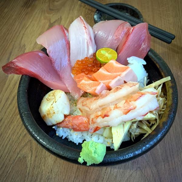 酒香不怕巷子深 CP值高、新鮮好吃的海鮮丼飯👍